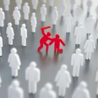 Το πείραμα «Bystander Apathy»: η απάθεια της μάζας